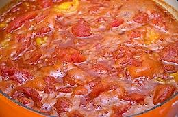 making tom- sauce 30
