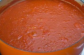 making tom- sauce 37