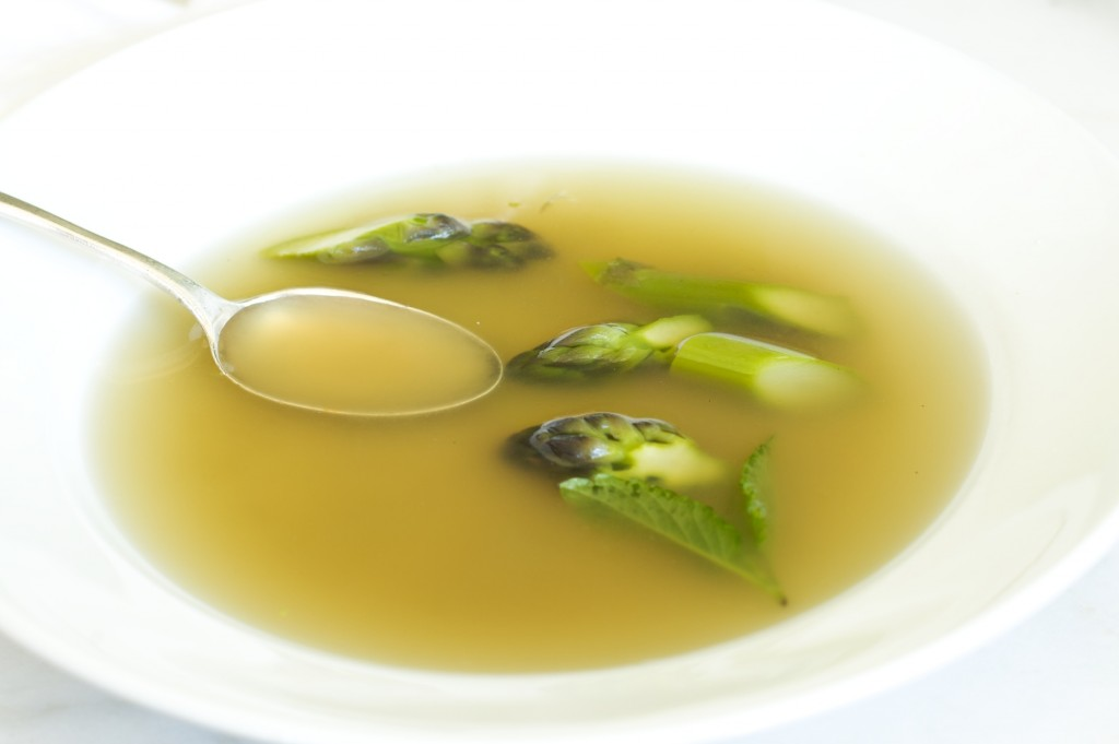 asparagas-broth-soup