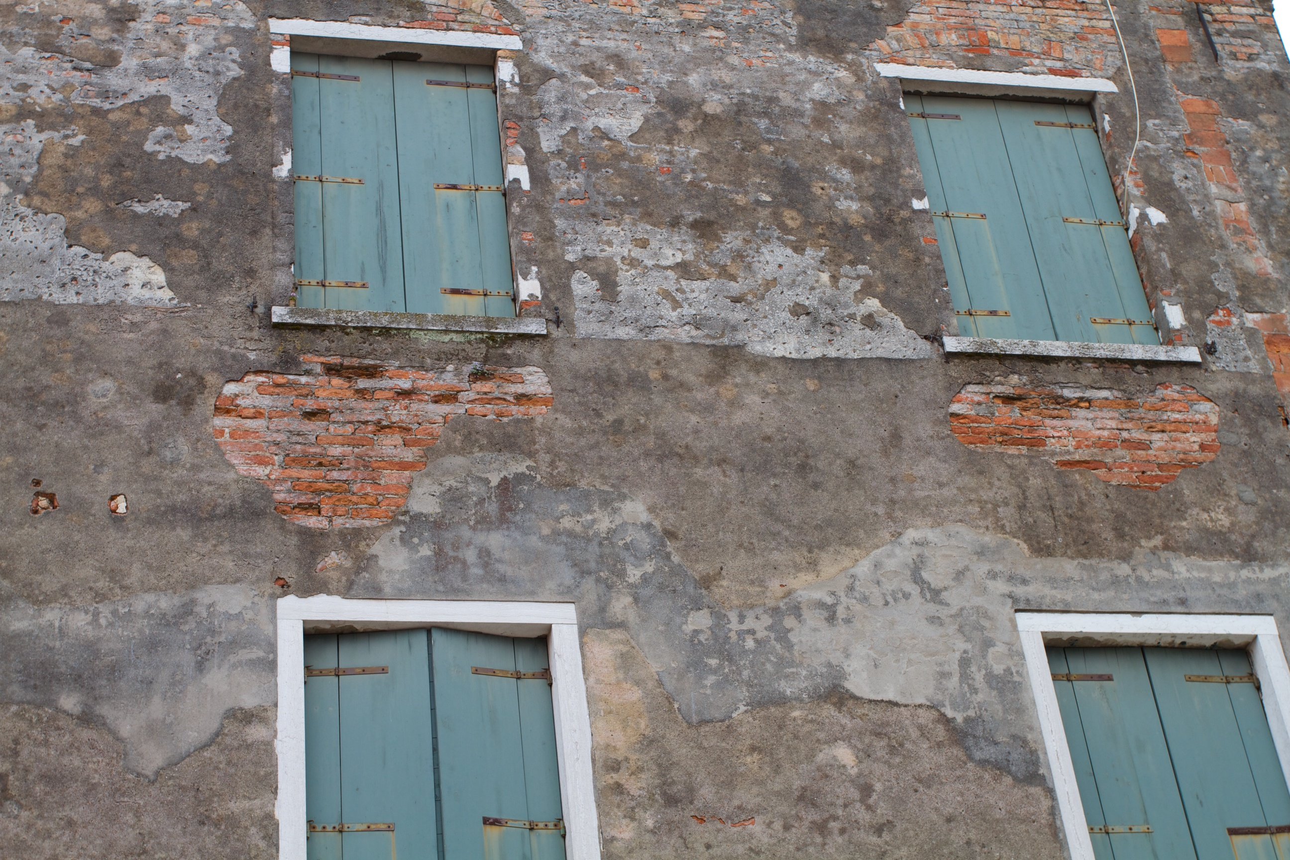 Shutters on a Siennese wall, IT