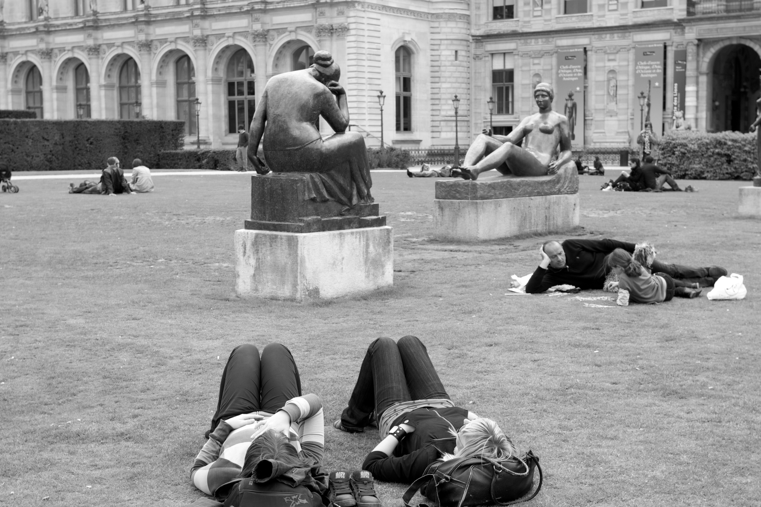 Statues on the lawn, the Louvre