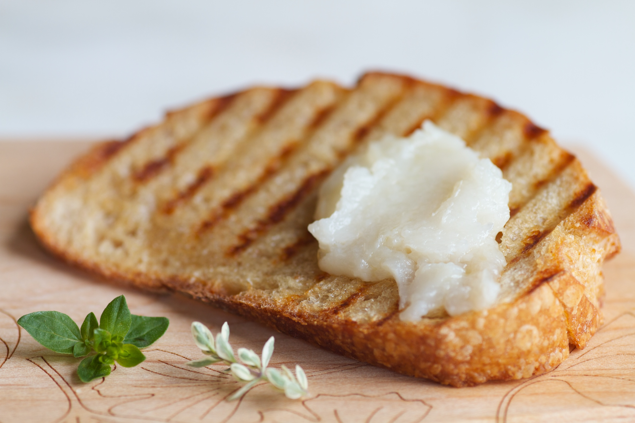 Roasted Garlic Crostonis : toast thinly sliced and olive-oiled bread ...