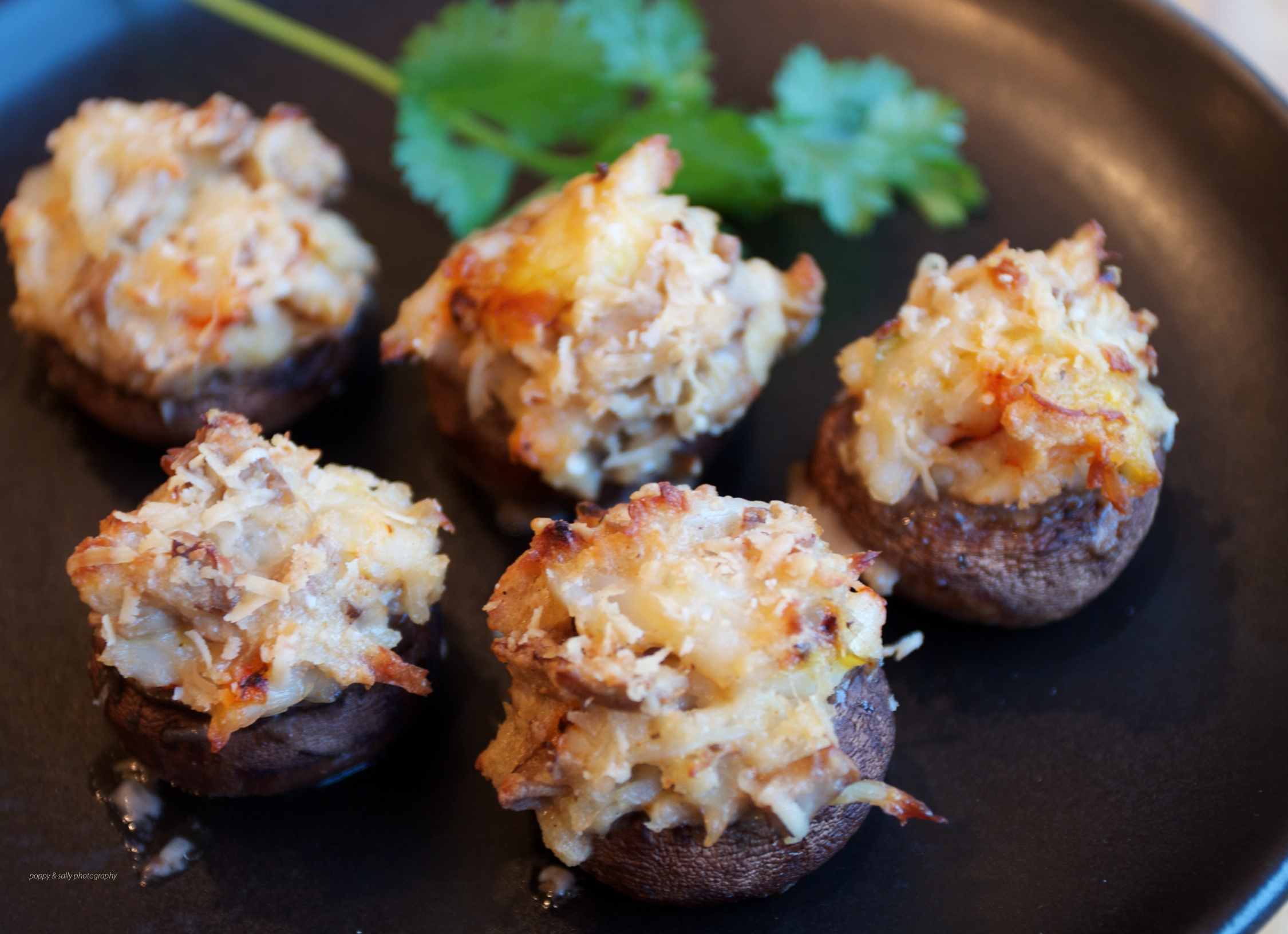 Grilled Crab And Fontina Stuffed Mushrooms Recipe — Dishmaps
